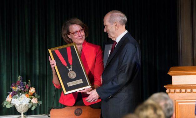 Faculdade de Medicina da Universidade de Utah homenageia Presidente Nelson