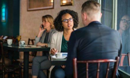 Enfrentar a insegurança do relacionamento após estar casado de novo