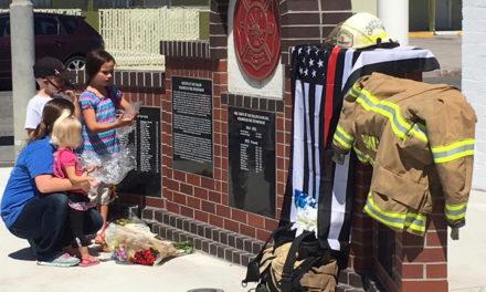 Comunidade oferece apoio à família da vítima do tiroteio na capela mórmon