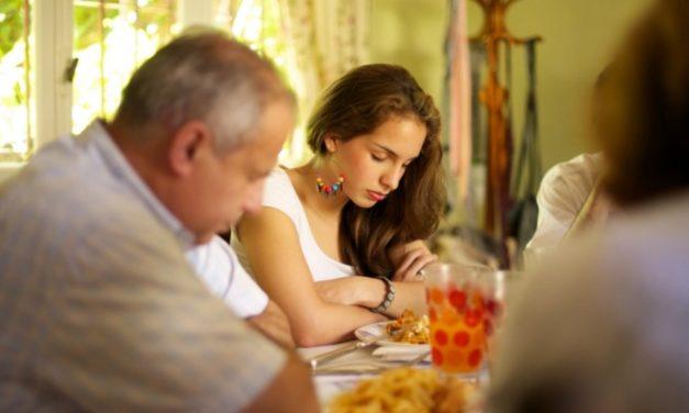 7 maneiras de fazer de seu lar um lugar santificado