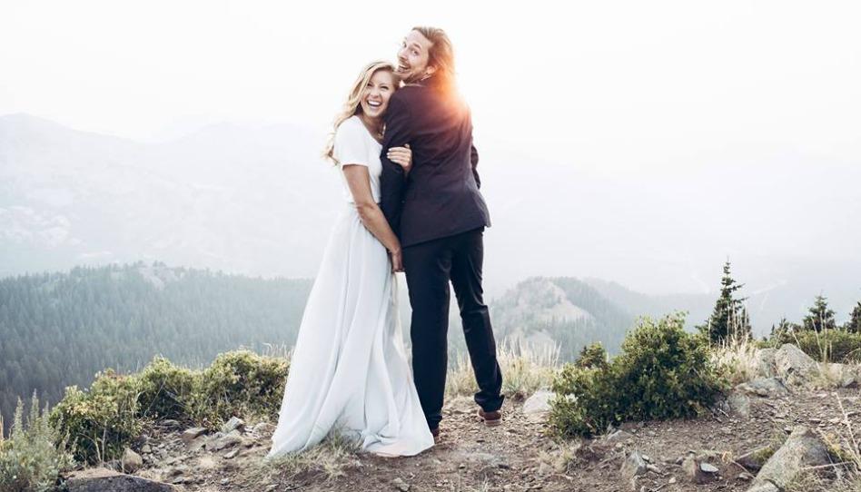 Recém-casados morrem em acidente. Ela posta testemunho dias antes
