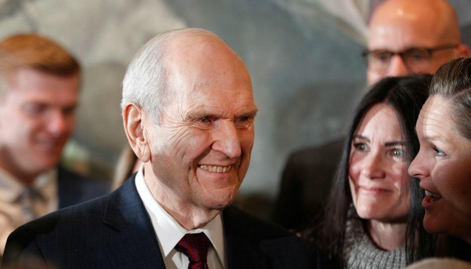 Presidente e irmã Nelson se preparam para uma viagem de ministério na América Latina