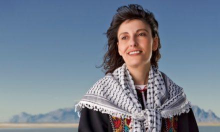 Como uma mulher Palestina encontrou a Igreja e arriscou sua vida para viver o Evangelho