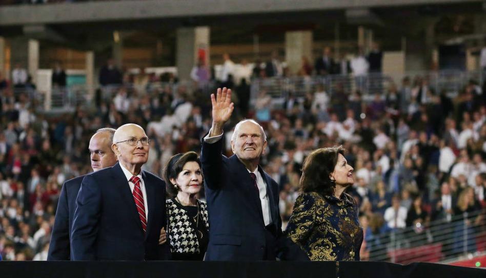 Presidente Nelson conclama 65.000 santos no Arizona a coligar Israel