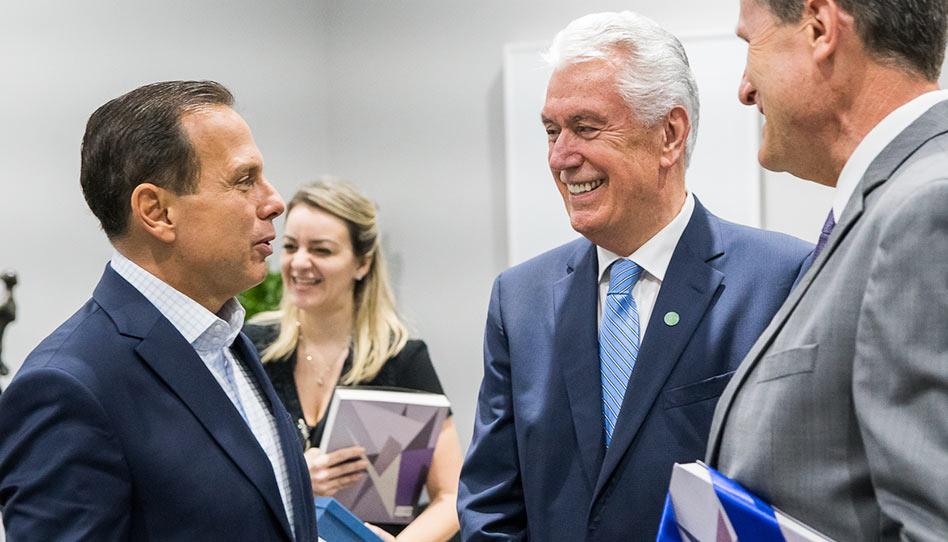 Élder Uchtdorf visita João Dória, governador do Estado de São Paulo