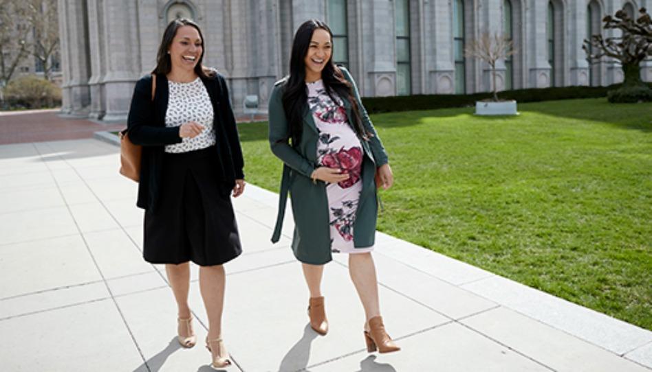 Novos modelos femininos de garment para gestante, lactante e calça