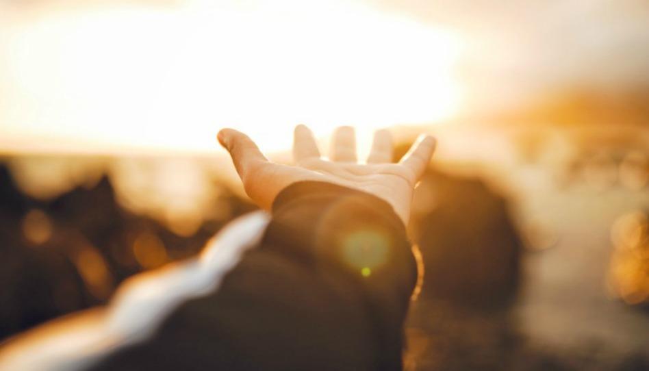 """Vem e Segue-me – """"Deus ama ao que dá com alegria"""" – 2 Coríntios 8-13"""