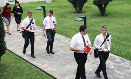 Como os pais podem apoiar melhor seus missionários ao terem experiências espirituais com eles