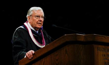 Pres. Ballard fala sobre os desafios de se viver em um munto tecnológico