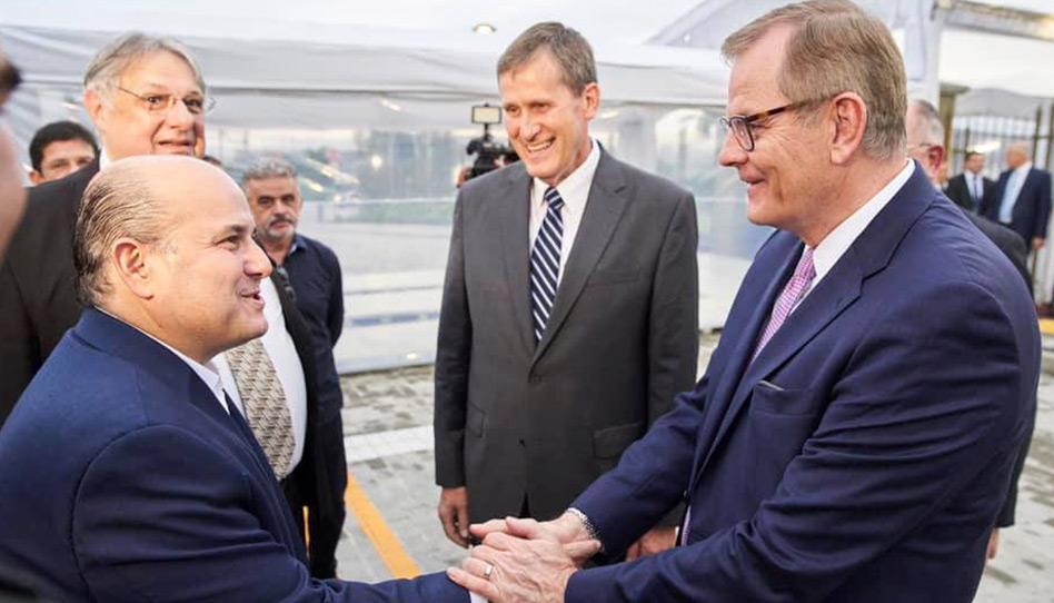 Prefeito de Fortaleza, Roberto Cláudio, é recebido pelo Élder Stevenson em sua visita ao Templo de Fortaleza