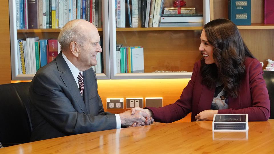 Presidente Nelson se reúne com a primeira-ministra da Nova Zelândia