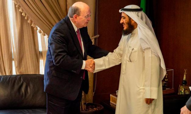 Élder Cook agradece ao Estado do Kuwait por reconhecer a Igreja formalmente