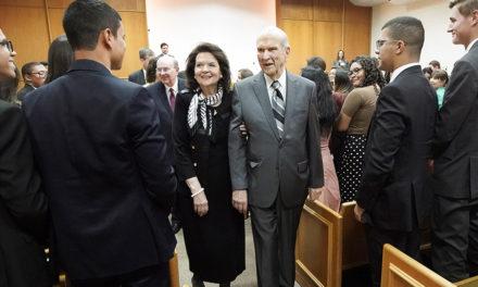 """Presidente Nelson em Brasília: """"Ensine o evangelho com um sorriso no rosto"""""""