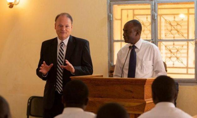 A República do Mali reconhece oficialmente A Igreja de Jesus Cristo dos Santos Últimos Dias