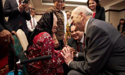"""Presidente Nelson na Indonésia: """"Vocês determinam quando um templo é construído"""""""