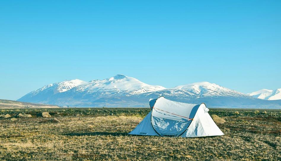 Perguntas e Respostas: Tudo bem ir acampar com alguém que estou namorando?