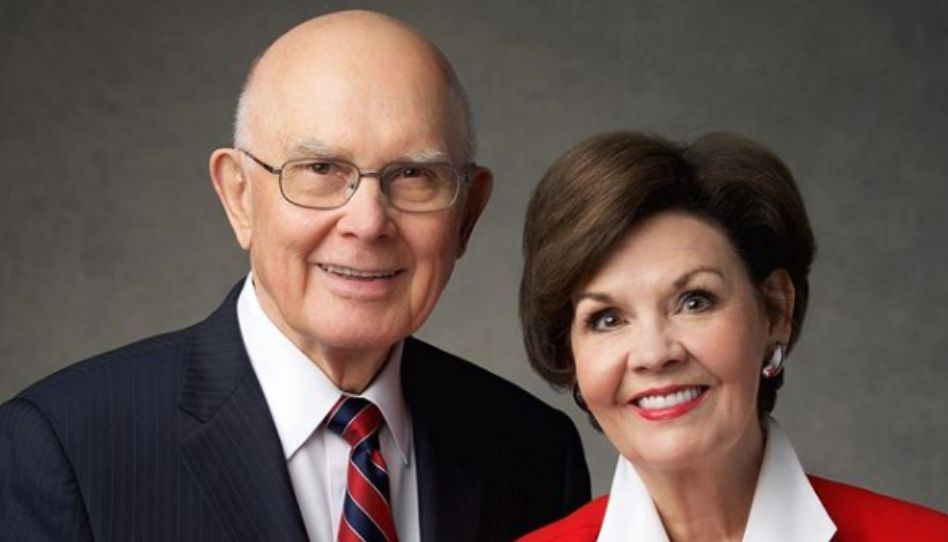 Como foi primeiro encontro do Presidente Oaks com sua esposa