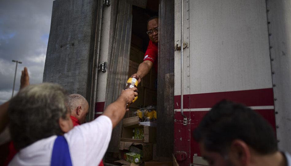 Porto Rico sofre com as consequências dos terremotos, membros e missionários servem ao próximo