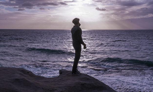 Por que sempre pensamos que estamos sozinhos?