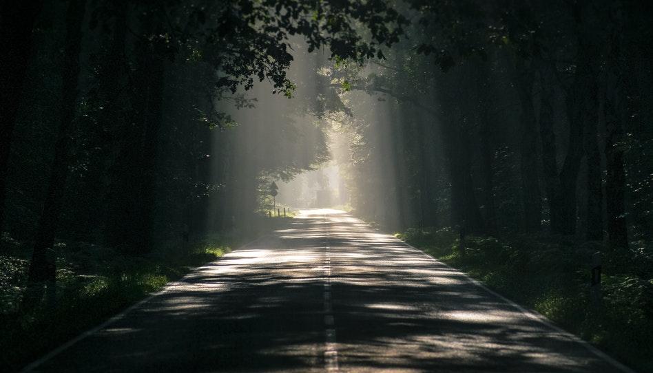 Como o Pai Celestial é a luz que ilumina o caminho à frente de nós