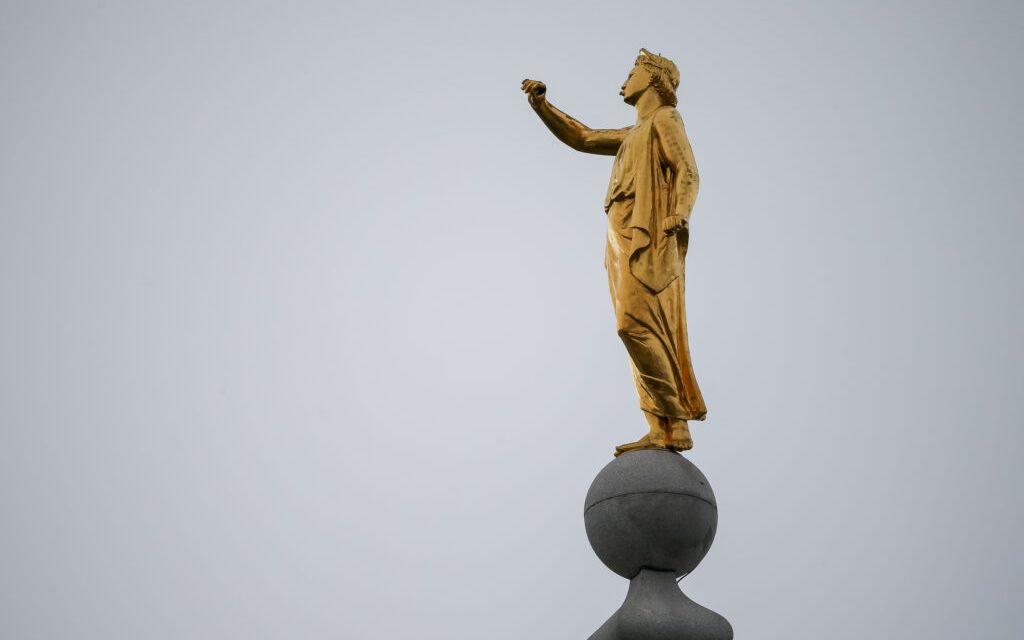 Após o terremoto, pedras das torres do templo de Salt Lake e o Anjo Morôni serão removidos