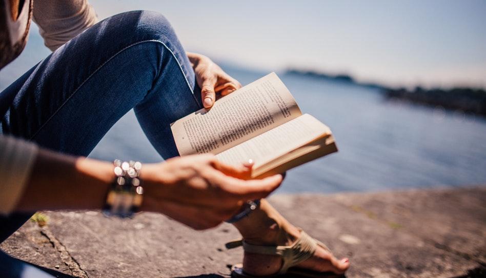 """Perguntas e Respostas: """"Livros de romance são equivalentes à pornografia?"""""""
