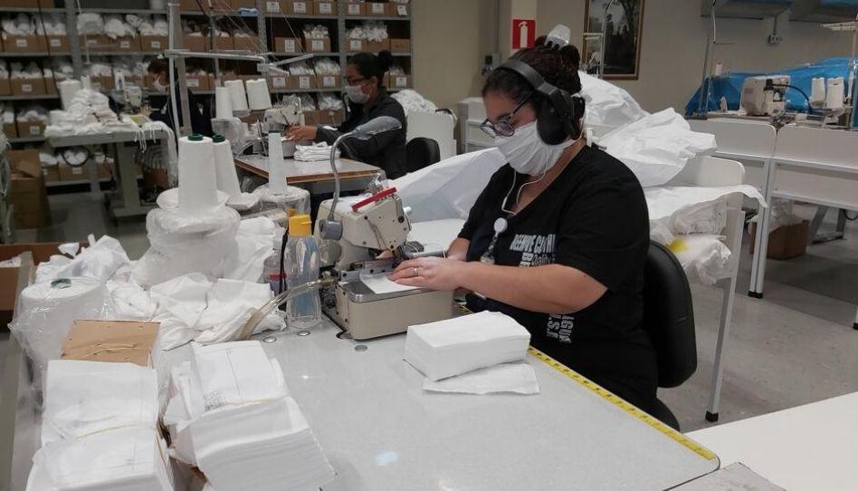 Igreja de Jesus Cristo produz máscaras e aventais em diversos países | COVID-19