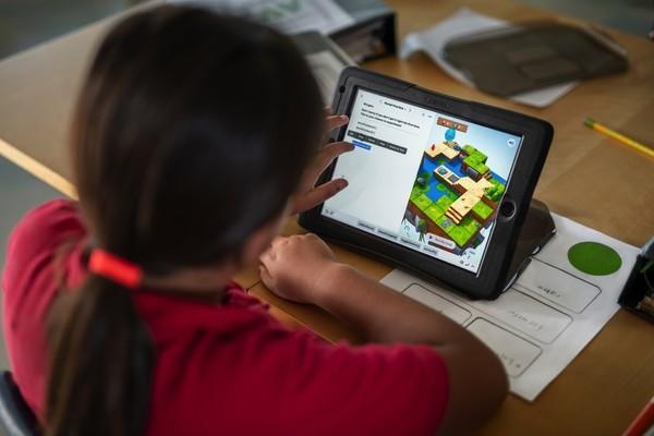 A Igreja de Jesus Cristo doa 250 iPads a serviço de educação na Espanha