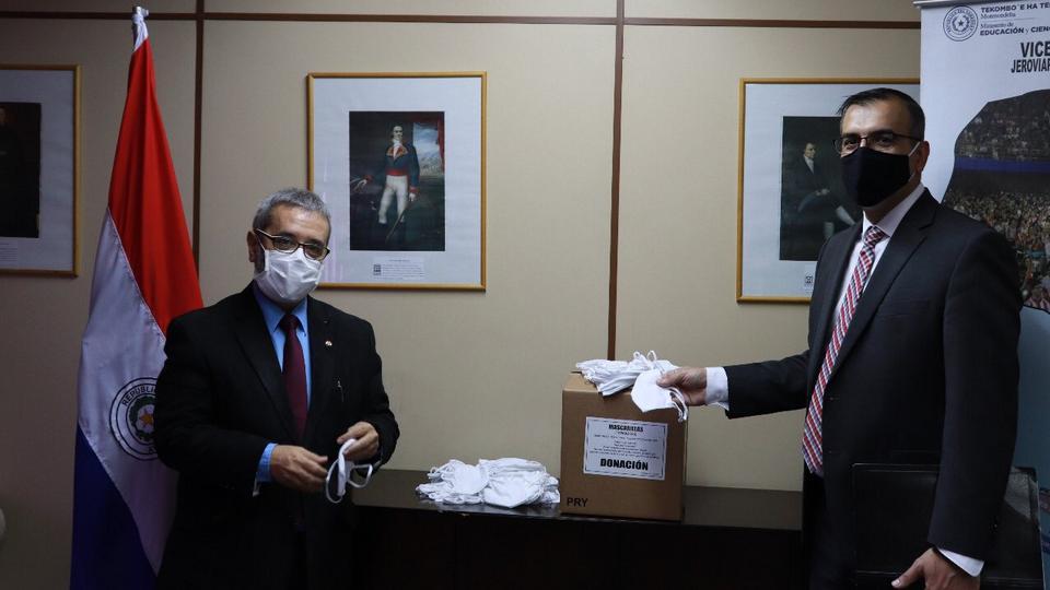 A Igreja de Jesus Cristo doa 20 mil máscaras ao Ministério da Educação do Paraguai