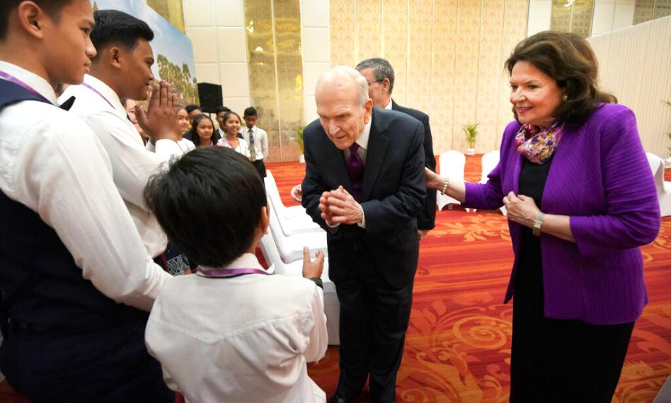 Porque para o Presidente Nelson é importante reunir-se com os pequenos grupos de membros