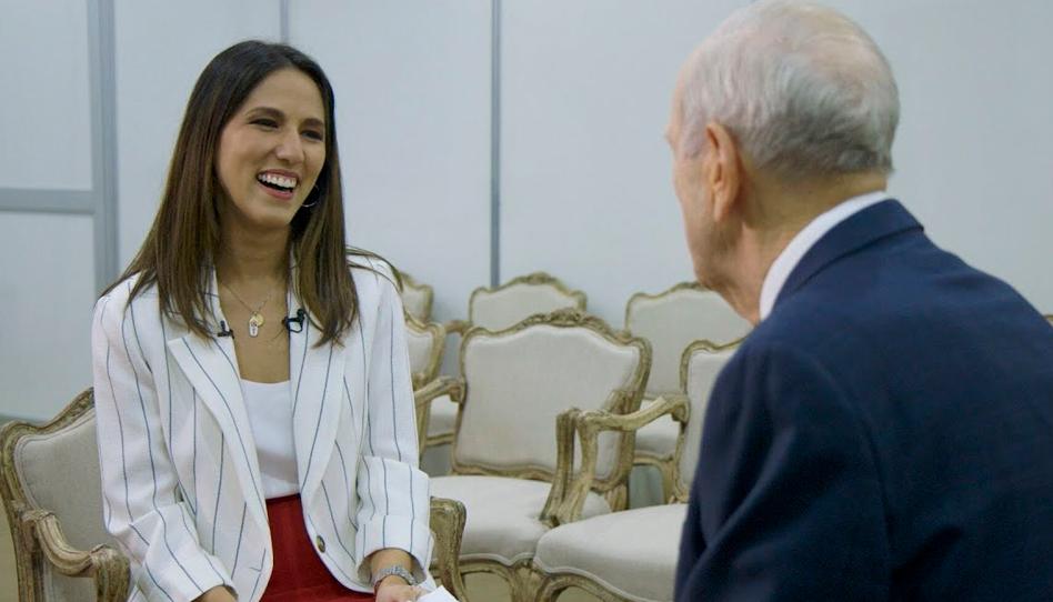 Isabela Tacaki compartilha como foi entrevistar o Presidente Nelson quando ele veio ao Brasil