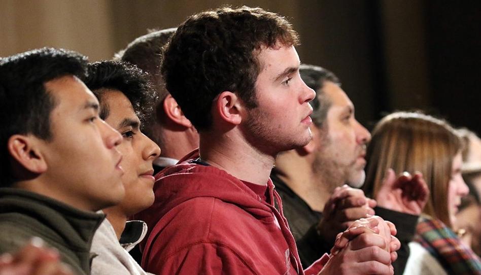 A geração Z busca religião. Você ficará surpreso onde eles a encontram