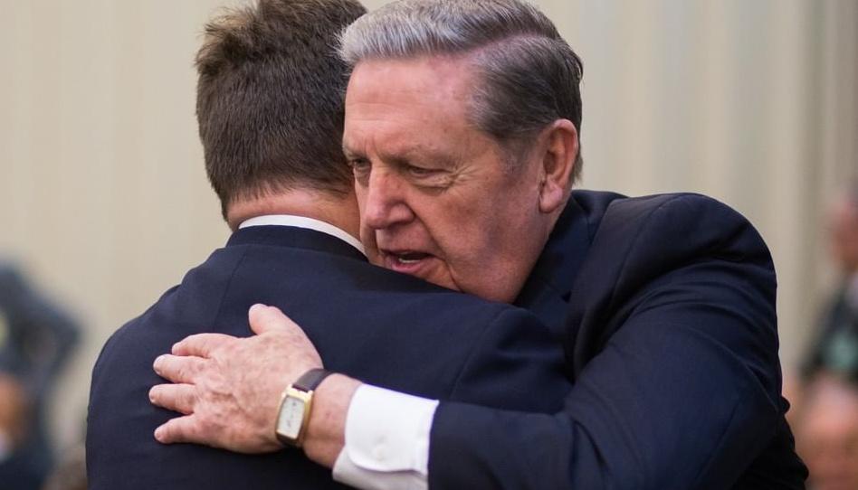 Romper as barreiras religiosas: a amizade entre Élder Holland e o líder evangélico George Wood